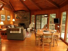 Cabin vacation rental in Burnsville, NC, USA (Town) from VRBO.com! #vacation…