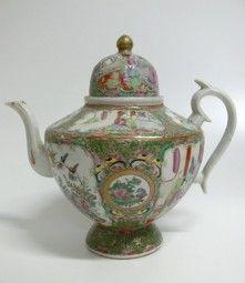 Teekanne China Famille Rose  / Teapot