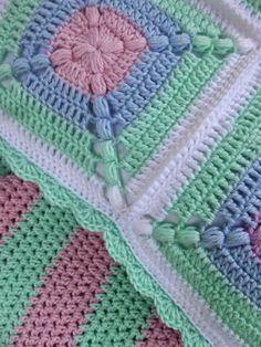 "Häkeln im Quadrat: ""Blue"" & ""Peppermint"" - Crochet Afgans, Baby Afghan Crochet, Crochet Quilt, Crochet Cushions, Granny Square Crochet Pattern, Crochet Squares, Love Crochet, Crochet Motif, Crochet Stitches"