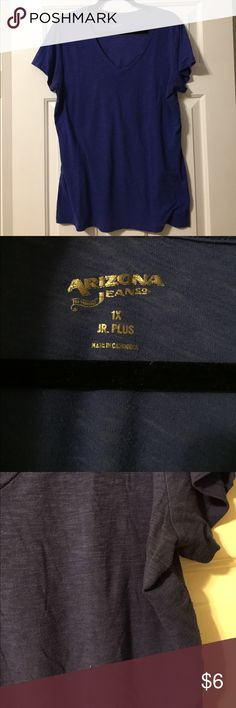 Juniors Blue Short Sleeve V-Neck Tee Light pills throughout and under arms. Arizona Jean Company Tops Tees - Short Sleeve