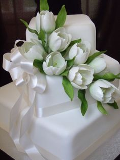 White tulips - 3 tier offset square with sugar tulips and leaves