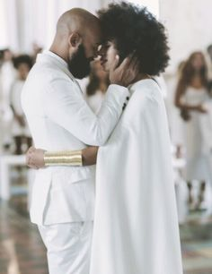29 Times Solange Led The Carefree Black Girl Movement afro bride. Black Love, Black Art, Black Couples, Cute Couples, Romantic Couples, Beautiful Couple, Black Is Beautiful, Simply Beautiful, Wedding Goals