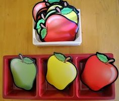 Apple sorting by color, red, green and yellow