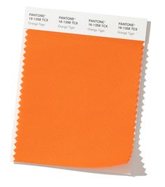 Partner with Pantone for your color inspiration. Use this quick 'Find a Pantone Color' online tool - just enter name or choose from palette. Azul Pantone, Pantone Orange, Pantone Color, Ny Fashion Week, New York Fashion, Fashion Colours, Colorful Fashion, Autumn Winter Fashion, Fall Winter