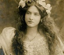Inspiring picture, art nouveau, beauty, clothes, crown--The stunning Maude Fealy (1881 - 1971) was a star of the Edwardian stage and silent films. She had a tempestuous love life that included several marriages and a lesbian affair.