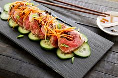 Beef Tataki - Make delicious beef recipes easy, for any occasion Beef Tataki, Beef Fillet, Lamb Ribs, Beef Recipes, Cucumber, Zucchini, Pork, Easy Meals, Dinner