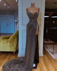 Find the perfect gown with Pageant Planet! Browse all of our beautiful prom and pageant gowns in our dress gallery. There's something for everyone, we even have plus size gowns! Gala Dresses, Event Dresses, Formal Dresses, Pretty Dresses, Beautiful Dresses, Beautiful Live, Pageant Gowns, Dream Dress, Evening Gowns