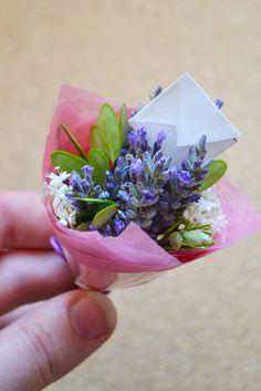 DIY: Miniature bouquets