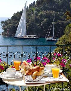 Breakfast on the terrace at hidden gem Domina Piccolo in Portofino