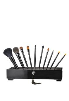 luxurious 10-piece brush collection by laura mercier