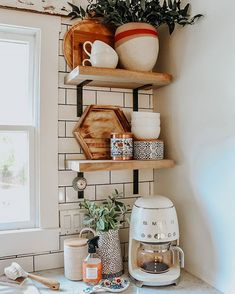 23 Neat Clutter-Free Kitchen Countertop Ideas to Keep Your Kitchen in Tip-top Shape - The Trending House Coffee Table Makeover, Coffee Table Styling, Diy Coffee Table, Decorating Coffee Tables, Coffee Corner Kitchen, Coffee Nook, Coffee Bar Home, Coffee Bars, Coffee Tin