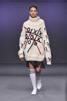 Blikvanger #VogueRussia #readytowear #rtw #fallwinter2018 #Blikvanger #VogueCollections