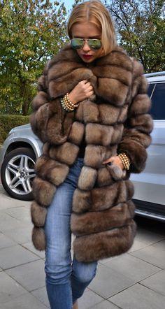Natural Barguzin Sable Fur Coat Like Jacket Chinchilla Royal Saga Mink Fur Fashion, Look Fashion, Sporty Fashion, Fashion Women, Winter Wear, Autumn Winter Fashion, Sable Fur Coat, Look Blazer, Fabulous Furs