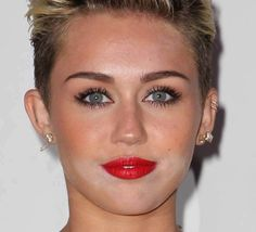 Best (or Worst?) Celebrity Makeup Fails - Even with the help of the best makeup artists, celebrities sometimes end up on the red carpet looking less than perfect. Check out some of their biggest fails.