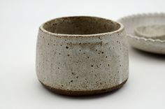 Stoneware pinch pot More click the image or link for more info. Clay Pinch Pots, Ceramic Pinch Pots, Ceramic Bowls, Ceramic Mugs, Ceramic Pottery, Stoneware, Slab Pottery, Pottery Vase, Pottery Workshop