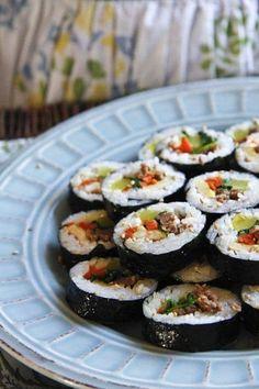Kimbap Recipe | Easy Asian Recipes | rasamalaysia.com