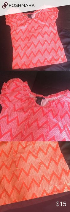 Red and white chevron short sleeve top 💯 cotton bright red and white chevron print top with gathered short sleeves and scoop gathered neck. Printed cords with a wooden bead at ends. No signs of wear, snags or stains. Excellent condition! Bundle for further discounts! Grace Elements Tops Blouses