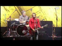 Con el viento- Fuera de control- No Te Va Gustar [On Stage DTV 2011]  Curucha en Fuera de Control, inmenso!!
