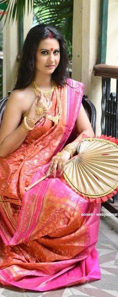 Indian ethnic Fashion I Beautiful Saree, Beautiful Indian Actress, Beautiful Asian Girls, Beautiful Women, Indian Photoshoot, Saree Photoshoot, Ethnic Fashion, Indian Fashion, Women's Fashion