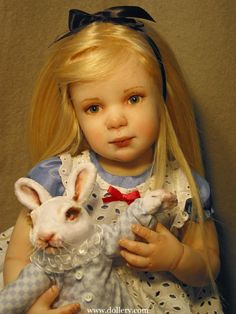 Is that you Alice? Alice in Wonderland. Lewis Carroll, Antique Dolls, Vintage Dolls, Paper Dolls, Art Dolls, Dolls Dolls, Alice In Wonderland Doll, Chibi, Bjd