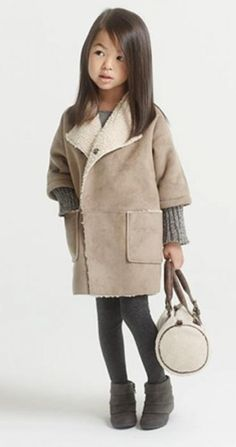 New Fashion Clothes For Girl Little Girl Fashion, Toddler Fashion, Kids Fashion, Little Girl Dresses, Zara Kids, New Fashion Clothes, Look Fashion, Pinterest Baby, Kids Coats
