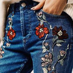 Calça jeans com aplicações bordadas vai bombar na temporada …