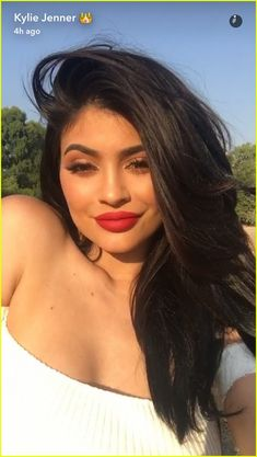 kylie jenner credits her period for her enlarged breasts 11