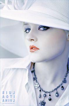 Tangerine lips - Blue eyeshadow - White porcelain skin