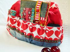Kugeltasche von Farbenmix innen mit Extrataschen Kugel, Sewing Hacks, Diaper Bag, Craft Ideas, Purses, Pattern, Fashion, Bag, Dressmaking