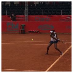 #2-Seed Sloane Stephens crashed out of the 1st rd of the Claro Open Colsanitas. Sloane lost 3-6, 3-6 to Mariana Duque-Mariño. 4/8/14