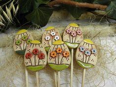 Velikonoční zápich / Zboží prodejce Líísteček | Fler.cz Easter Crafts For Seniors, Clay Crafts, Fun Crafts, Clay Projects For Kids, Mindfulness Art, Jar Art, Cute Polymer Clay, Easter Art, Ceramics Projects