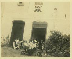 Título: Grup de puntaires  Autor: Carreras y Artau, Tomás  Fechas de edición: 1920-07-27  Lugar de edición: Arenys de Munt (Barcelona)  Fondo: Arxiu d'Etnografia i Folklore de Catalunya