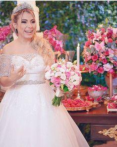 Felicidade estampada no rosto da noiva @kathy.castricini  #prontaparaosim #