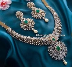 Diamond Emerald Set with Heavy Earrings - Schmuck - Jewelry Diamond Necklace Set, Diamond Pendant, Diamond Jewelry, Diamond Rings, Gold Jewelry, Diamond Jewellery Indian, Dimond Necklace, Diamond Choker, Solitaire Diamond