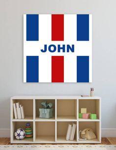 Voor de echte Tilburgse fans een canvas muurdecoratie in eigen clubkleuren. Ideaal voor de babykamer of kinderkamer. Deze decoratie wordt GRATIS voor jou gepersonaliseerd (bijv. met je voor- of achternaam. Verkrijgbaar in diverse afmetingen.