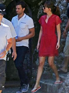 Jamie Dornan & Dakota Johnson Continue Filming 'Fifty Shades' in France After Attack: Photo Jamie Dornan and Dakota Johnson walk side by side while on the set of Fifty Shades Freed on Friday afternoon (July in Roquebrune-Cap-Martin, France. The co-stars… 50 Shades Freed, 50 Shades Darker, Fifty Shades Of Grey, Christian Grey, Fifty Shades Series, Fifty Shades Movie, Jamie Dornan, Estilo Selena Gomez, Anastasia Grey