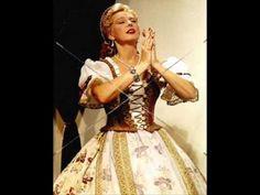 Szeleczky Zita - A kanyargó Tisza partján - YouTube Famous Women, Actors & Actresses, Victorian, Movies, Facebook, Dresses, Youtube, Photos, Fashion