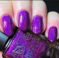 From Grace-full Nail Polish: <br>Dark Violet Fizz - dark violet linear holo with violet flakies that stop it being so dull in the shade by giving a pop of violet throughout the polish.<br>Big 5 free <br>Swatches courtesy of Grace-full Nail Polish