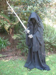 Complete Nazgul costume tutorial.