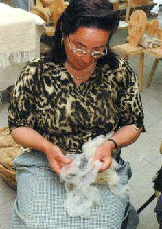 "Página Oficial do Rancho Folclorico ""Meu País"" de Maisons-Alfort Hand Spinning, Fiber, Tools, Folklore, Ranch, Spinning, Instruments, Low Fiber Foods, Spinning Yarn"