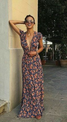Search for floral maxi dress at ASOS. Shop from over styles, including floral maxi dress. Discover the latest women's and men's fashion online Pretty Dresses, Beautiful Dresses, Gorgeous Dress, Look Fashion, Womens Fashion, Hippie Fashion, Classy Fashion, Fashion 2018, Petite Fashion