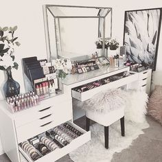 "42 Likes, 5 Comments - Perth Makeup Artist (@tiffany_elizabeth_mua) on Instagram: ""Makeup room inspo ❤️❤️ this is what I need to sort my mess out #perthmua #makeuproom"""