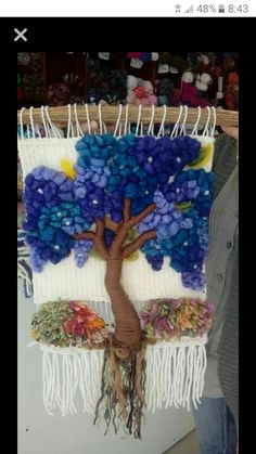 Weaving Wall Hanging, Weaving Art, Weaving Patterns, Loom Weaving, Tapestry Weaving, Finger Knitting, Weaving Projects, Glass Christmas Tree, Felt Art