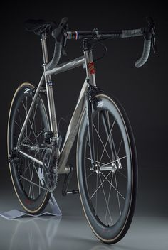 Lynskey | Helix Tubing by mobius cycle, via Flickr