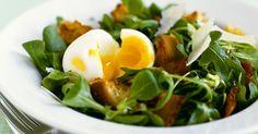 Salat mit Speck, Ei und Parmesan ist ein Rezept mit frischen Zutaten aus der Kategorie Salat. Probieren Sie dieses und weitere Rezepte von EAT SMARTER!