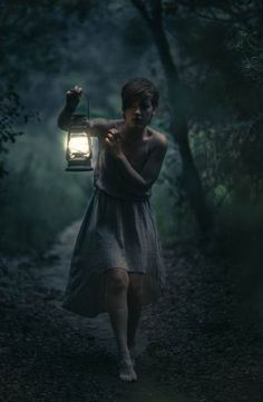 64 Ideas For Photography Dark Fantasy Story Inspiration Dark Photography, Night Photography, Portrait Photography, Fairy Tale Photography, Mysterious Photography, Story Inspiration, Writing Inspiration, Character Inspiration, Wallpaper Darkness
