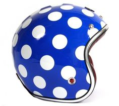 French retro helmet designer Les Atelier Ruby have long sold their helmets at Parisian boutique colette, but they have now premiered a Ruby Helmets, Retro Helmet, Sunday Kind Of Love, Colette, Cycle Chic, Bike Style, Motorcycle Helmets, My Ride, Accessories