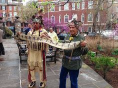 Onondaga Nation leaders carry George Washington's historic wampum belt to White House protest --- http://www.syracuse.com/news/index.ssf/2014/04/onondaga_nation_leaders_carry_george_washingtons_historic_wampum_belt_to_protest.html#incart_river_default