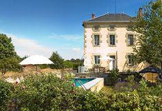 Maison bourgeoise met verwarmd zwembad  € 220000