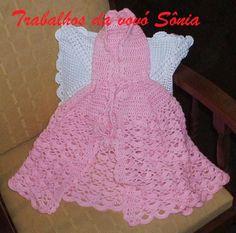 Trabalhos da vovó Sônia: Capinha infantil com capuz rosa Marcela - croché